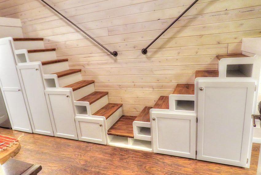 Dual stairways